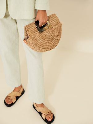 Yerse Clutch Style Shoulder Bag in Natural Raffia