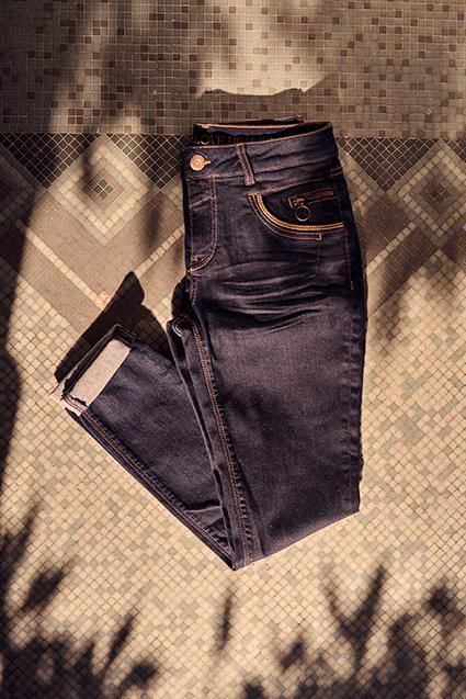 aw-21-naomi-hailey-hybrid-jeans