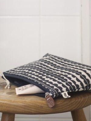 Brownstone Wide Make Up Bag Scallop Design